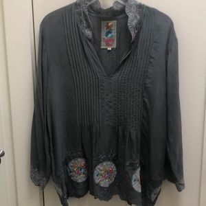 Johnny Was Gray Embroidered boho tunic top Med